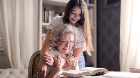Relacje w rodzinie, czyli krótka historia przywiązania wnuka do babci