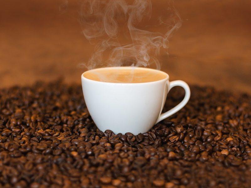 Jak się pozbyć plam po kawie? Oto najlepsze sposoby