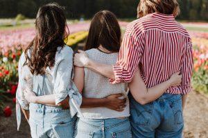 Jak rozmawiać z nastolatkami na trudne tematy?