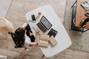 Jak zorganizować w domu miejsce do pracy zdalnej?