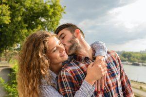 Co podarować mężowi z okazji rocznicy ślubu?