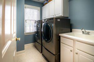 Planujesz zakup pralki? Sprawdź, co wziąć pod uwagę