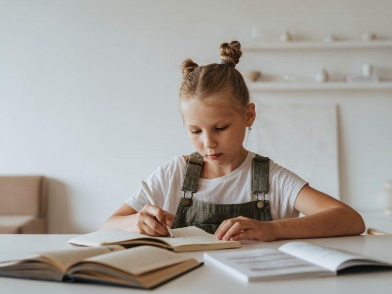 Jak wspierać koncentrację u dziecka?  – webinarium