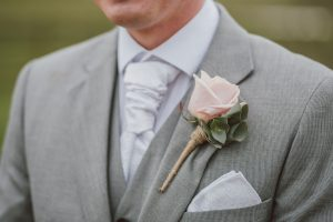 Garnitur ślubny – na co zwrócić uwagę przy zakupie?