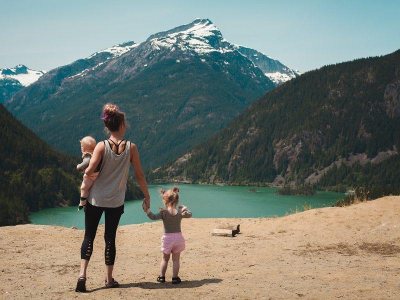 Podróż z niemowlakiem – jak się do niej przygotować?