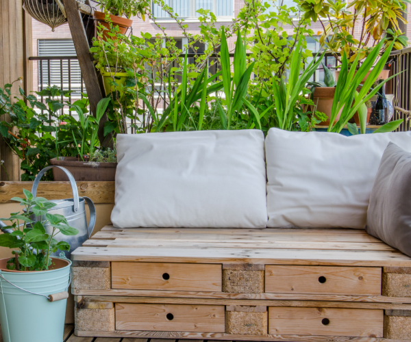 Meble ogrodowe z palet. Najlepsze pomysły