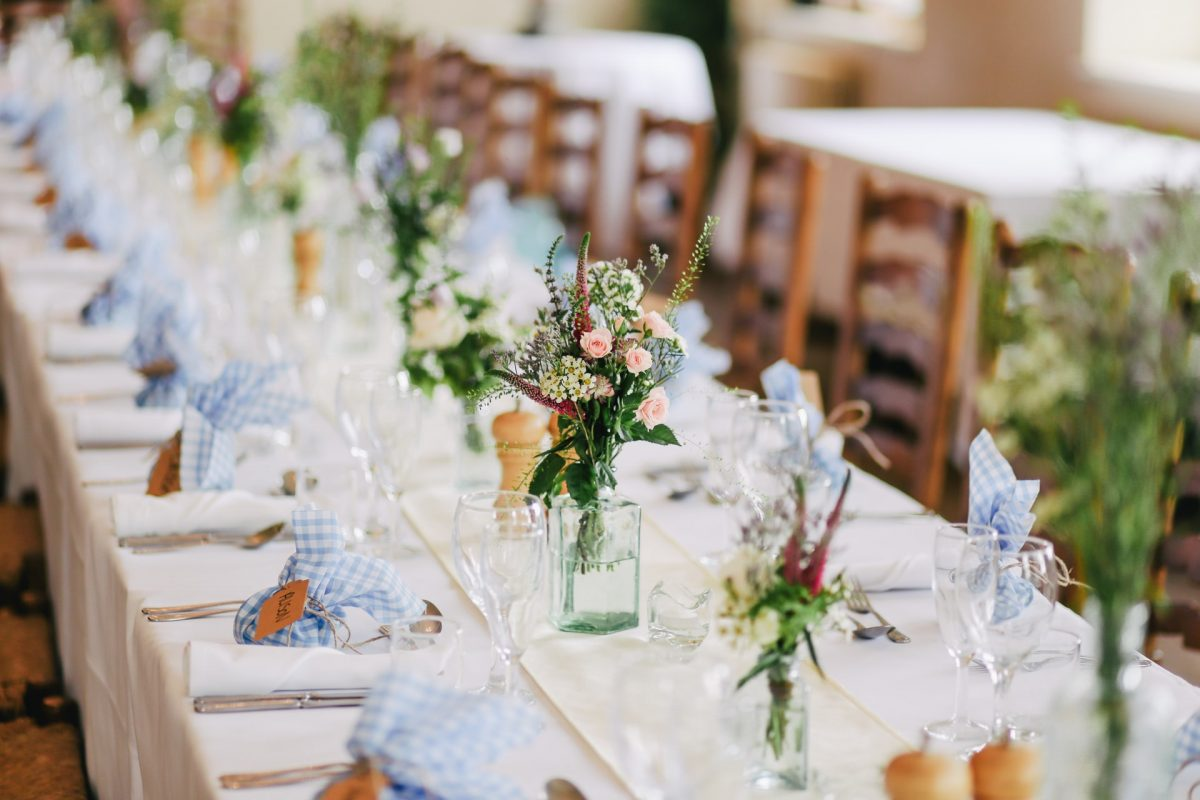 Czego nie powinno zabraknąć na weselnym stole?
