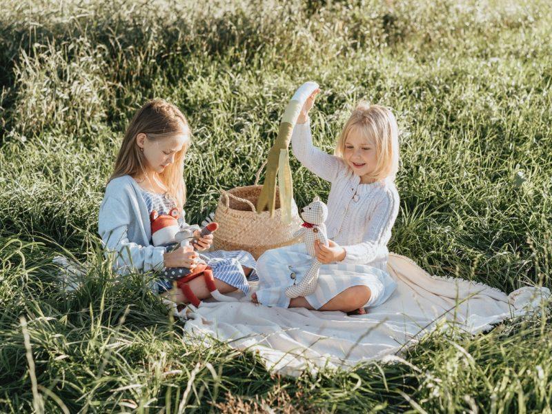 Latem nie ma miejsca na nudę! Oto najlepsze zabawy na świeżym powietrzu dla najmłodszych