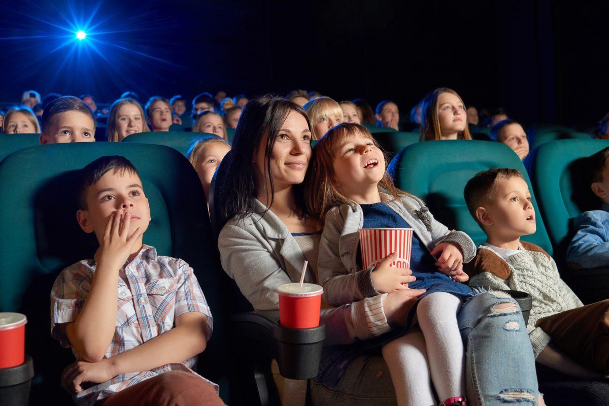 Familijne filmy w sierpniu. Na co się wybrać do kina?